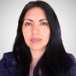 Paola-Álvarez